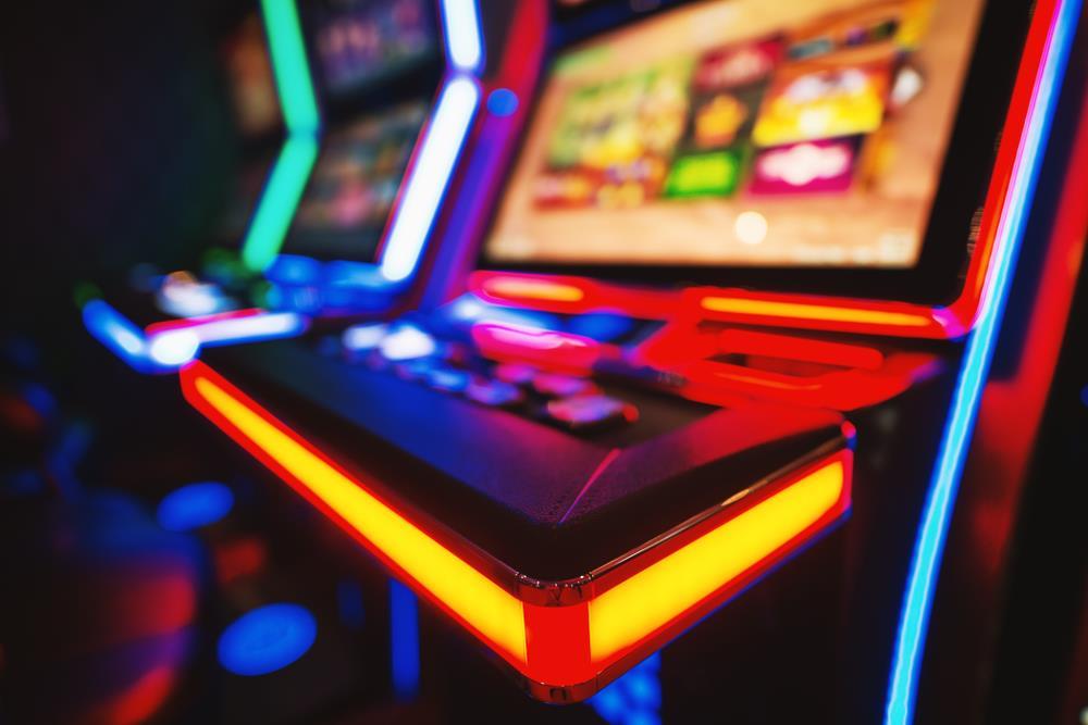 3 туза ком игровые автоматы бесплатно без регистрации игровой автомат queen of hearts обзор рейтинг слотов рф